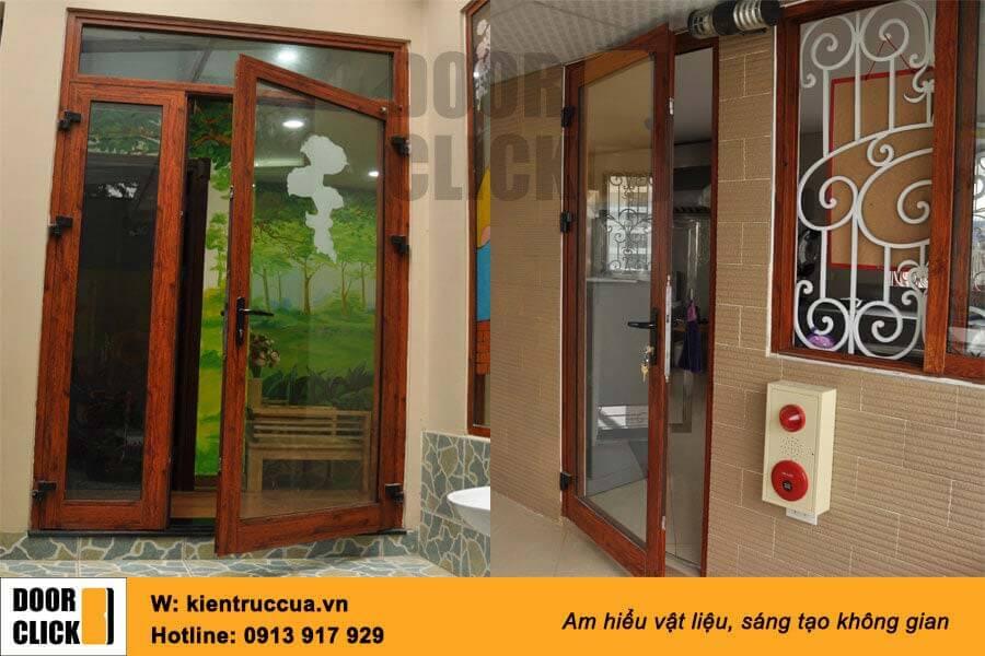 Cửa nhôm xingfa màu vân gỗ