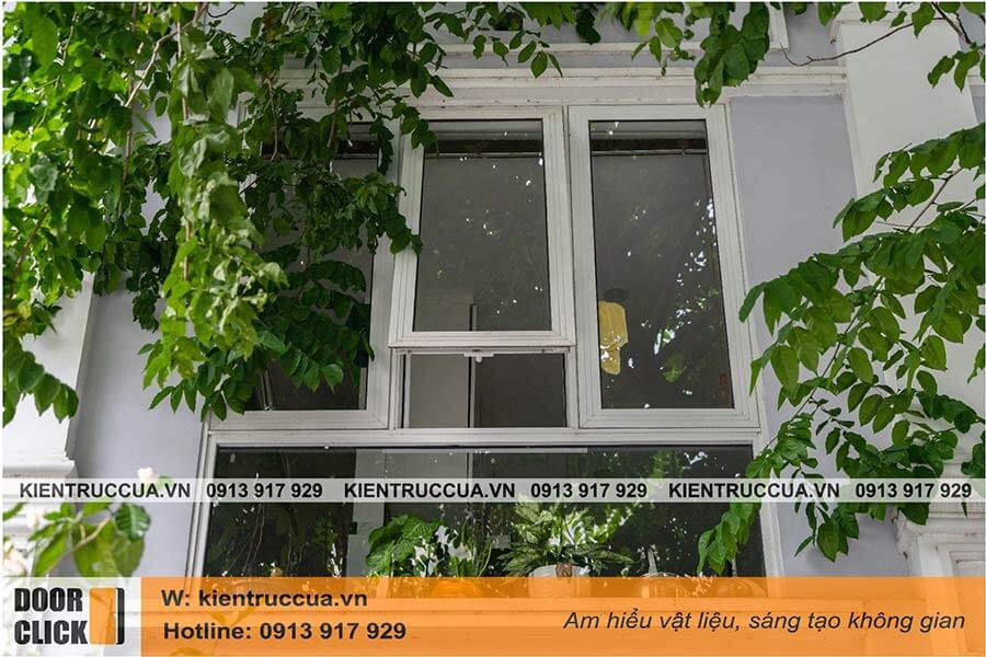 Cửa sổ mở hất nhôm xingfa màu trắng