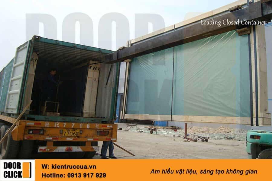 Đóng hàng vận chuyển kính siêu trong nhập khẩu